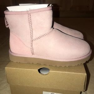Women's UGG boots sz 5 and 7 light pink Authentic